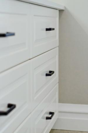 Simple and Clean Cabinet Hardware