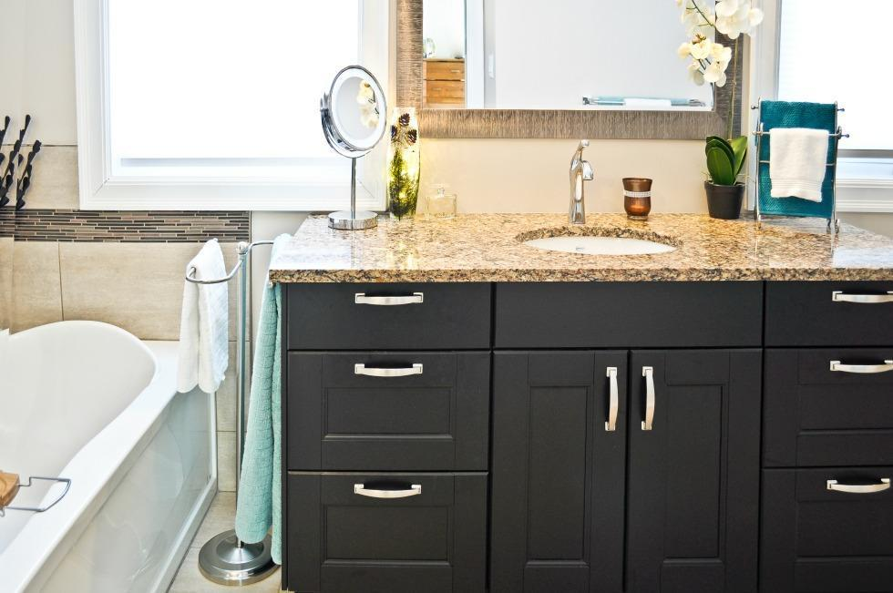 Intrepid Bathroom Renovation Ottawa – Attractive Quartz Countertops