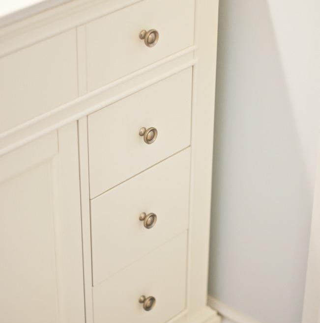 Reliable Accessible Bathroom Renovation Ottawa – Cabinet Features