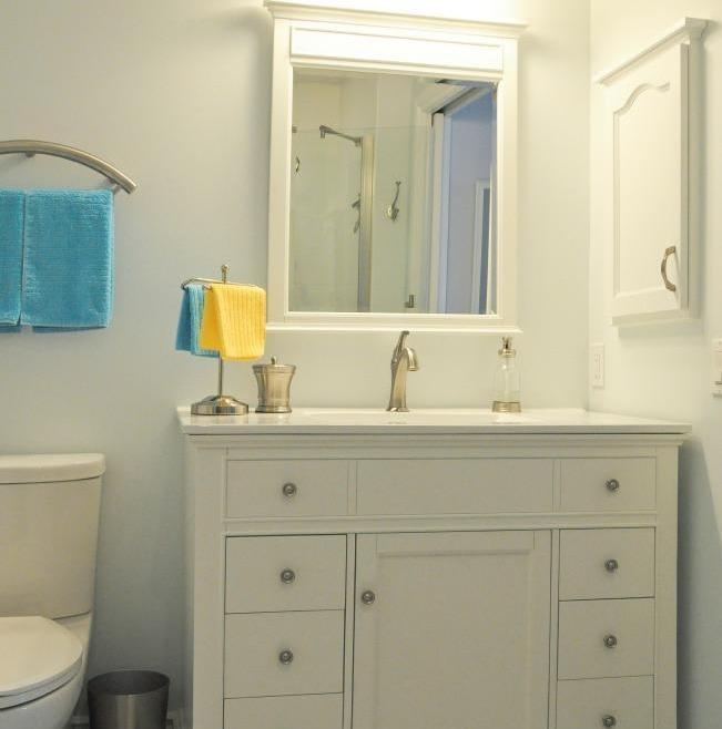 Reliable Accessible Bathroom Renovation Ottawa – Vanity Lighting and Accessories