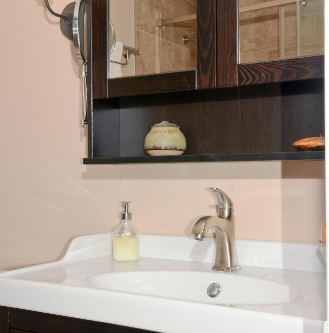 Structure Bathroom Renovation Ottawa – Simple Vanity